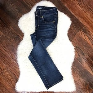 American Eagle Jeans Super Stretch Dark Wash Sz 4